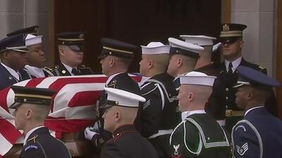 En video: Los honores a George Bush padre tras la misa en la Iglesia Saint Martin
