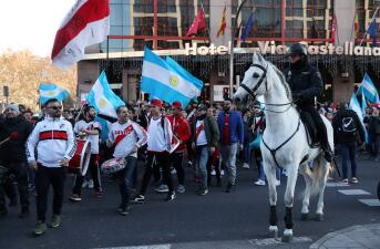 La fiesta de la final de la Copa Libertadores con los dispositivos de seguridad en Madrid