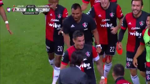 Milton Caraglio con un zurdazo letal marca el gol de Atlas
