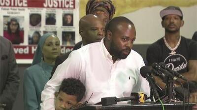 Su hijo fue asesinado mientras dormía: este padre clama que cese la violencia contra los niños en Houston