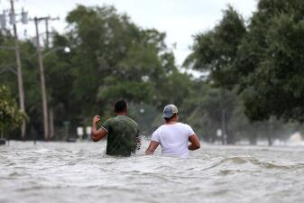 En fotos: Barry llega a Louisiana y las inundaciones son la principal amenaza