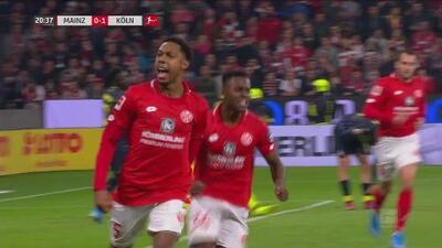 ¡Con mucha técnica! Boëtius marca un golazo tras quitarse a la defensa