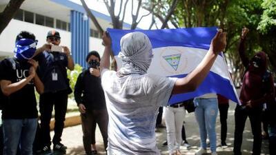 Entre promesas de diálogo y represión en las calles, continúa la crisis política en Nicaragua