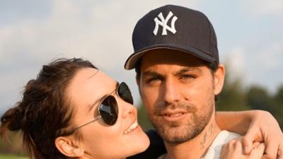 Novia del difunto Renato López publica video de su compromiso de boda