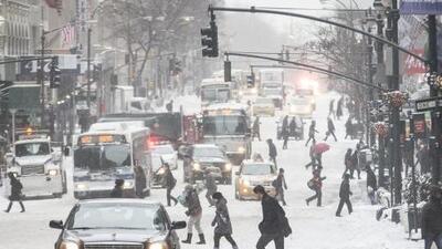 La primera tormenta invernal de 2014 castiga a Nueva York pero no la paraliza