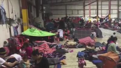 Desesperados y con ganas de escapar, así se encuentran los migrantes centroamericanos del refugio de Coahuila, México