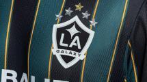¡Woow! Chicharito y Jona presentan histórica playera del LA Galaxy