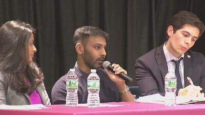 Al menos 100 personas asistieron al foro en Jackson Heights con el objetivo discutir temas relacionados con crímenes de odios