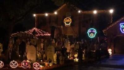 WATCH: Epic Bohemian Rhapsody Halloween light show