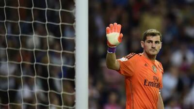 Iker Casillas defiende a Karius ante los continuos ataques por sus errores