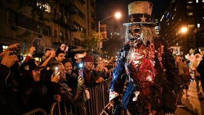 En medio de estrictas medidas de seguridad, se realizó en Manhattan el tradicional desfile de Halloween