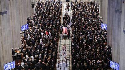 Los momentos más emotivos del funeral del senador John McCain en la Catedral Nacional de Washington