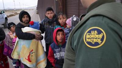 Era agente de la Patrulla Fronteriza y ahora ayuda a los indocumentados que enfrentan deportaciones
