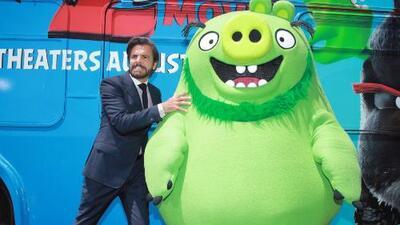 Eugenio Derbez habla en exclusiva de su nueva película 'Angry Birds 2'