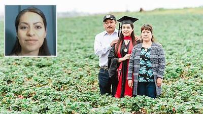 """El inspirador mensaje de la graduada que se fotografió donde cultivan sus padres: """"Rendirse no es una opción"""""""