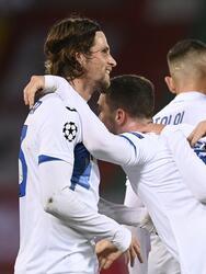 Con goles de Josip Ilicic y Robin Gosens, el Atalanta sorprende al Liverpool y consiguen tres importantísimos puntos en en Inglaterra.