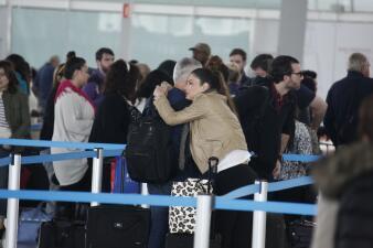 Chiquinquirá Delgado y Jorge Ramos derraman miel en el aeropuerto