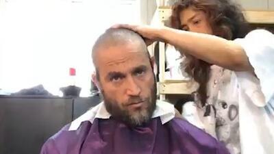 Michel Brown quería cortarse el pelo y terminó depilado por no hablar turco
