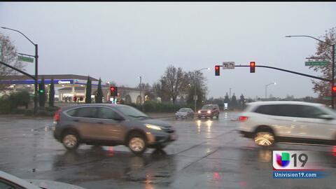 Las autoridades investigan la muerte de dos personas en el boulevard Elk Grove como homicidio-suicidio