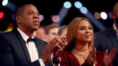 Fan rushes Beyoncé and Jay-Z stage during performance