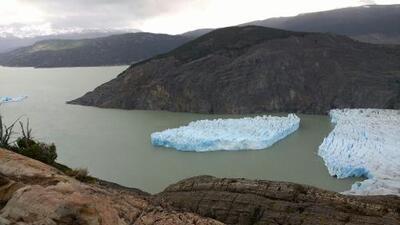 Milenario glaciar Grey de Chile sufre ruptura y se convierte en amenaza para la navegación