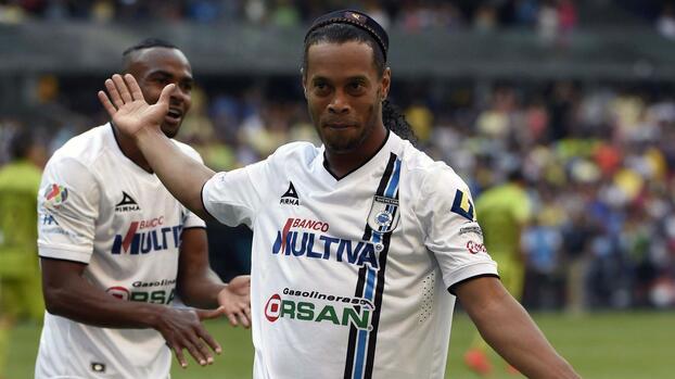 Florian Thauvin, Ronaldinho  y otros campeones mundiales en México