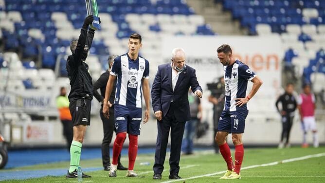 "'Vasco' Aguirre: ""No nos quemó la pelota"" con 10"