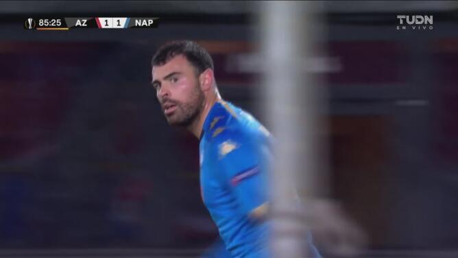 ¿Por qué no le dio pase al 'Chucky'? Petagna deja ir gol del Napoli