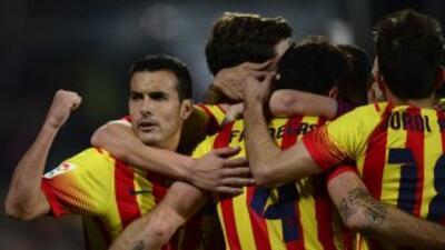 Getafe 2-5 Barcelona: Pedro sostiene el liderato del Barcelona