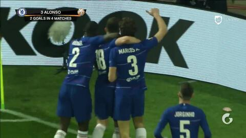 ¡GOOOL! Marcos Alonso anota para Chelsea