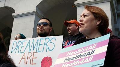 California aprueba beneficios de salud para inmigrantes indocumentados