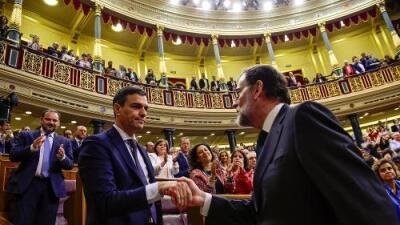 Mariano Rajoy es destituido como presidente de España por corrupción en su partido y el socialista Pedro Sánchez asume el cargo