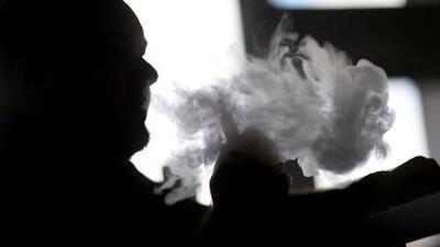 Reportan primera muerte vinculada al uso de cigarrillos electrónicos