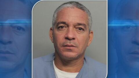 Acusan a un detenido de lanzar excremento a dos oficiales del correccional de Miami-Dade