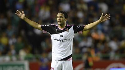 Álvaro González critica a Sambueza por mostrar el golpe que le dio Kannemann