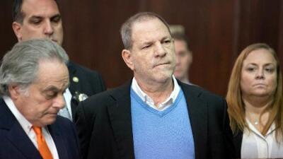 Juez acepta demanda por tráfico sexual contra Weinstein, pero elimina 17 de las acusaciones en su contra