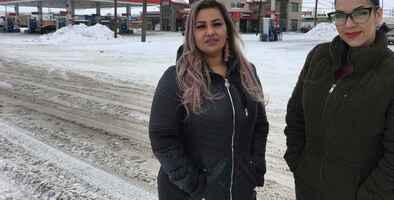 """Agente fronterizo detuvo a dos ciudadanas por hablar español y luego se reveló que era una """"práctica cotidiana"""" en Montana"""