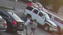 Piden ayuda a la comunidad para identificar a una mujer que intentó secuestrar a dos niños en Los Ángeles