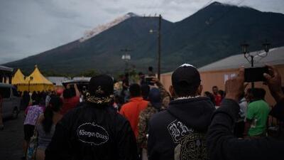 Una nueva erupción del volcán de Fuego desata el pánico entre los sobrevivientes de Guatemala