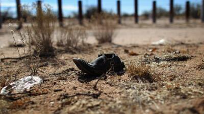 Inicia caminata anual para honrar a los inmigrantes que han muerto en el desierto de Arizona