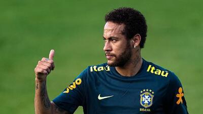 """Tranquilos todos: médicos brasileños descartan """"lesión grave"""" de Neymar en la rodilla"""