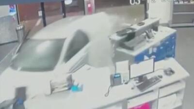 Un hombre estrelló su auto contra la fachada de un gimnasio porque le cancelaron su membresía