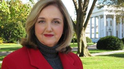 La periodista Lourdes Meluzá se retira tras más de dos décadas reportando desde Washington para Univision