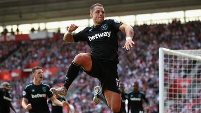 'Chicharito' hizo su primer doblete con el West Ham pero pierden ante el Southampton
