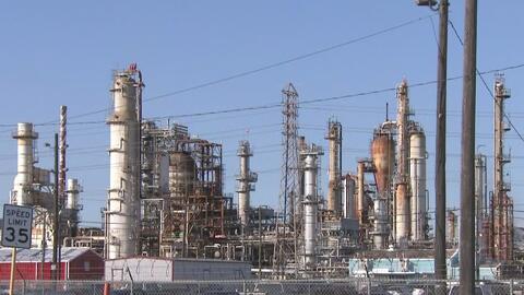 Refinería acusada de violación ambiental logra un acuerdo con el condado de Harris por los daños causados
