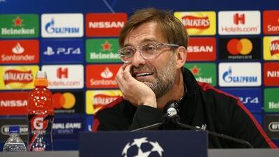 Klopp confirmó las ausencias de Salah y Firmino y trató de bajarle presión al Liverpool