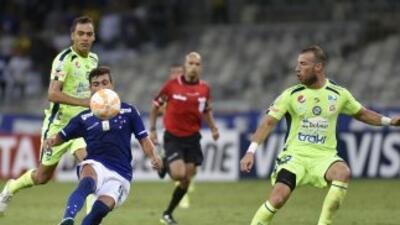 Cruzeiro gana, Huracán empata y Racing clasifica a la siguiente fase de la Libertadores