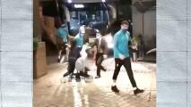 ¡'Atropellan' a Neymar! Fanático casi lesiona al astro brasileño