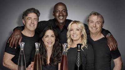 Michael Jordan se une con los propietarios de los Lakers, Celtics y Bucks para lanzar un nuevo tequila de lujo