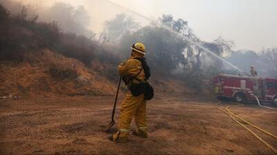 Emiten alerta de posibles incendios por los fuertes vientos en el sur de California